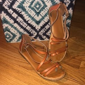 🌻AE Strappy Faux Leather Sandals🌻